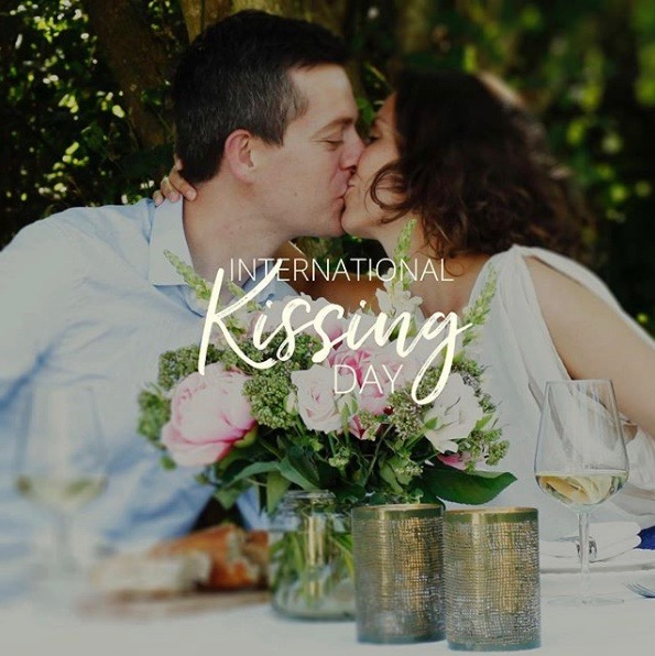 International Kissing Day Images